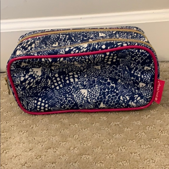 Lilly Pulitzer Target Blue White Fish Upstream Bag